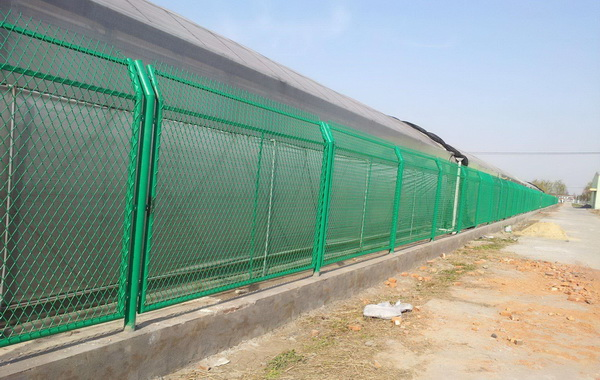 哪些护栏网可以用作铁路护栏网及常用规格【推荐】
