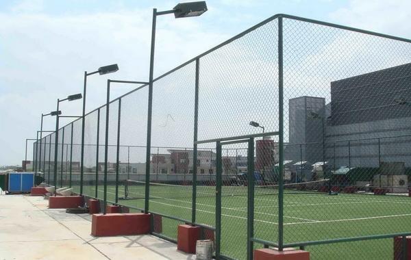 体育场护栏网几种安装方式介绍