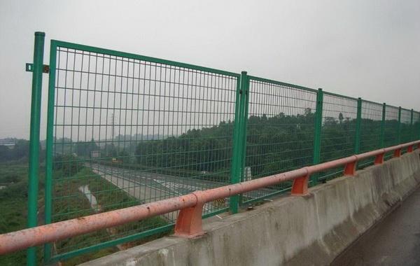 桥梁防抛网设计要求是什么?