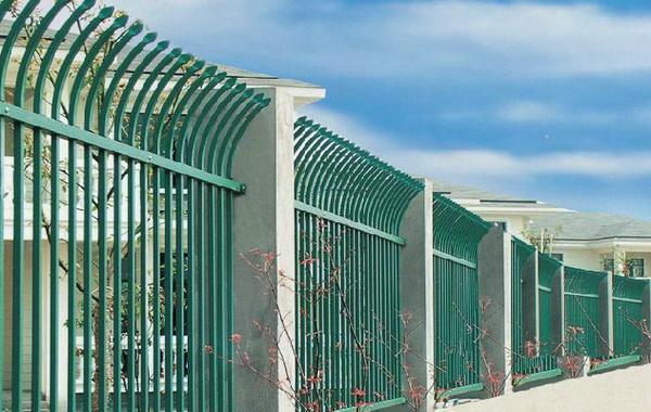 锌钢护栏辨别表面处理好坏
