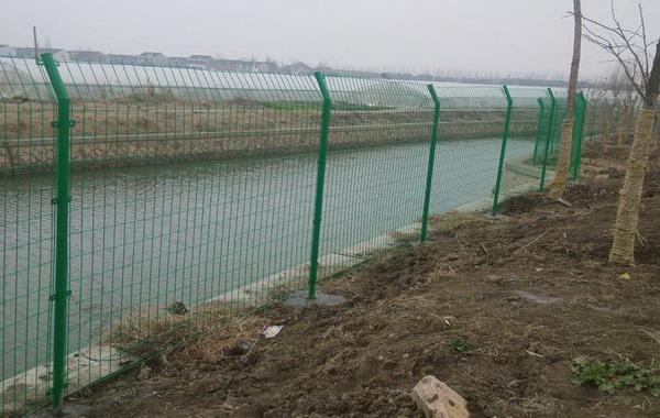 使用在养殖护栏网领域具体规格介绍【推荐】