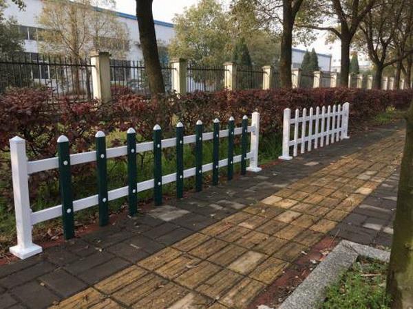 寒冷的冬季PVC护栏会变脆吗?
